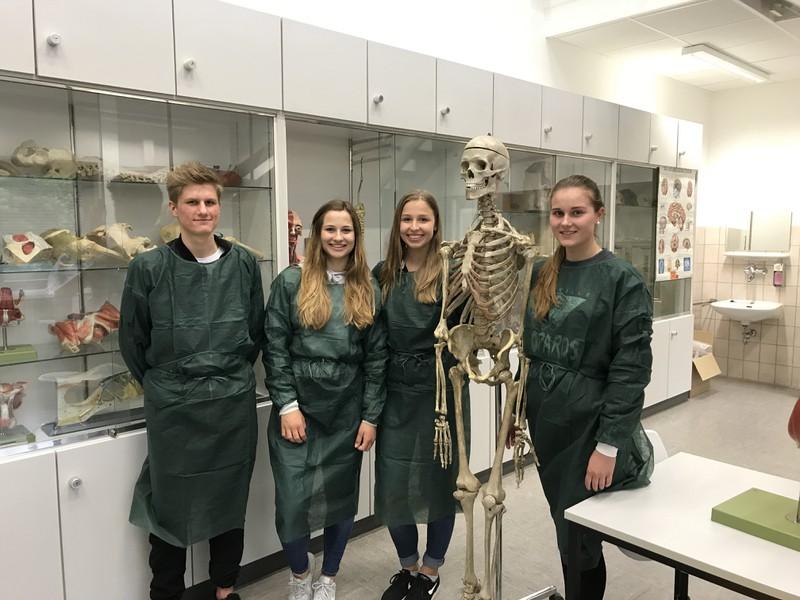 Zu Besuch im Institut für Anatomie und Zellbiologie der JLU | Brüder ...
